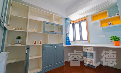 儿童房彩色书柜组合